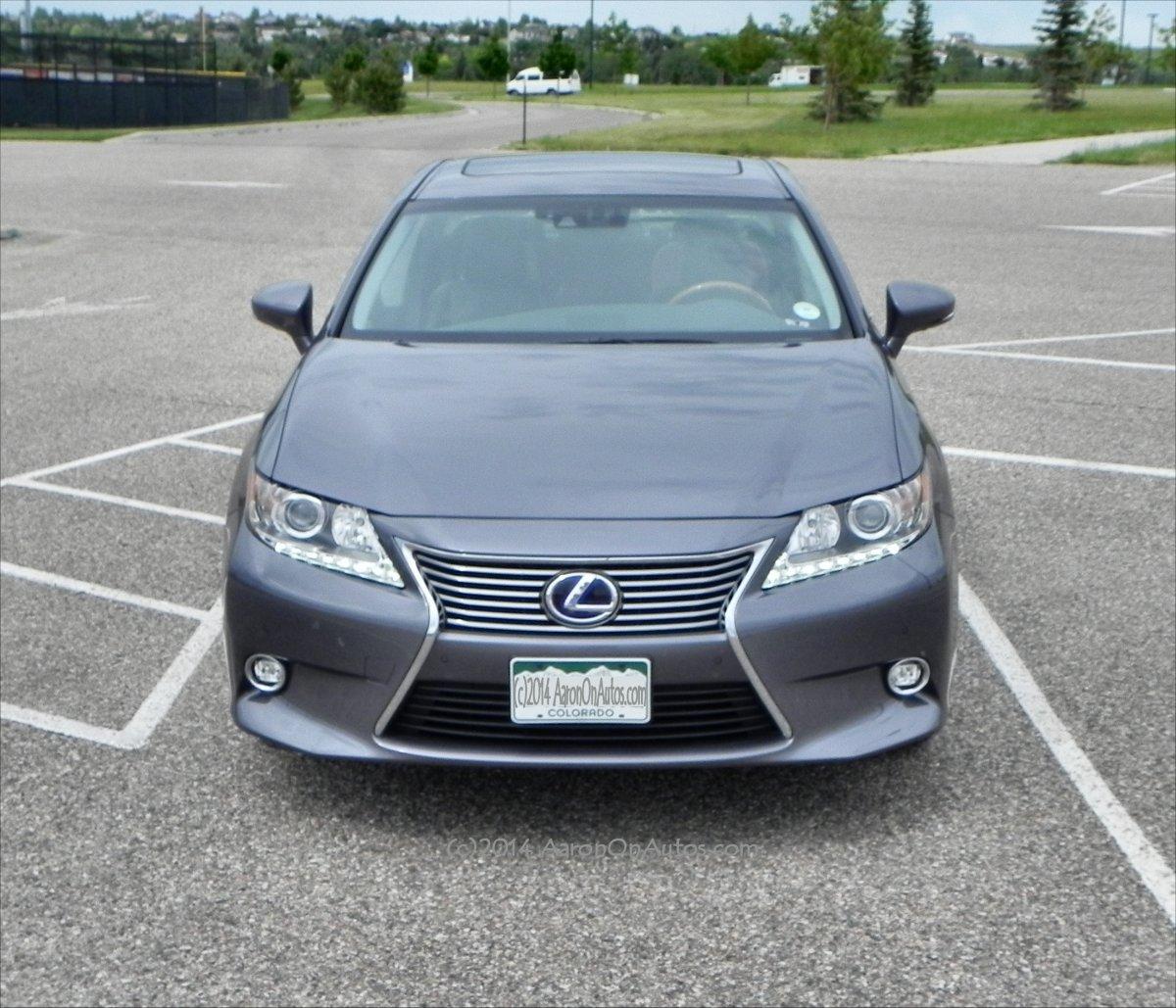 Lexus 2014: 2014 Lexus ES 300h Interior Review