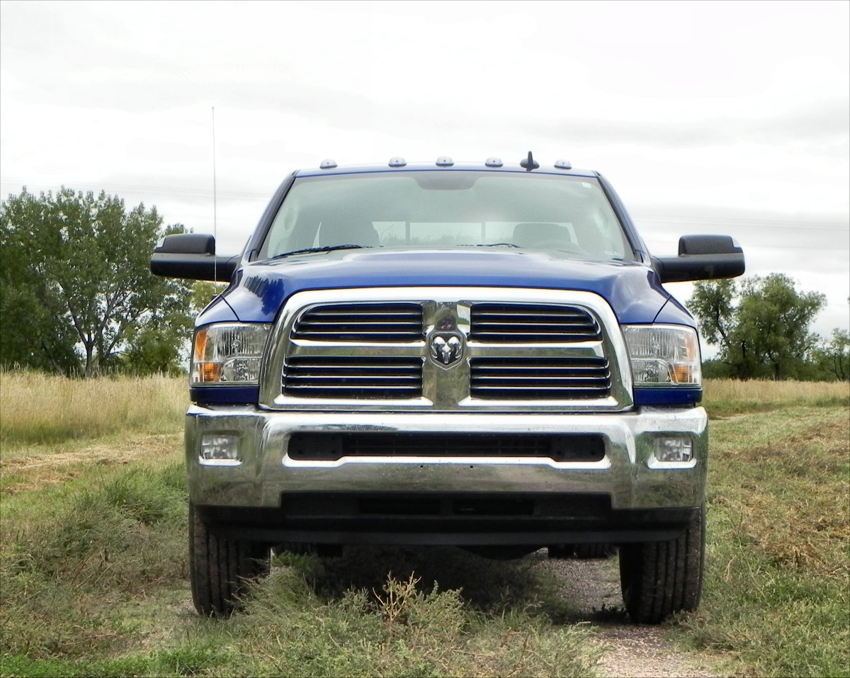 2014 ram 2500 big horn climb in hang on we re goin into the corn aaron on autos. Black Bedroom Furniture Sets. Home Design Ideas