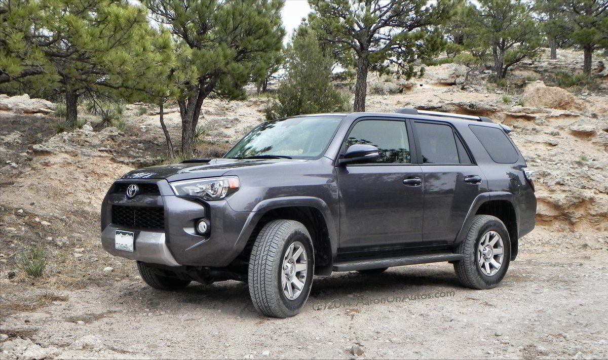 2015 toyota 4runner trail premium vs trd autos post. Black Bedroom Furniture Sets. Home Design Ideas