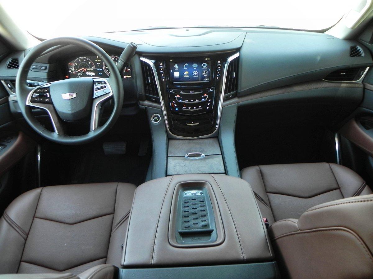 2015 Cadillac Escalade   Interior 7   AOA1200px