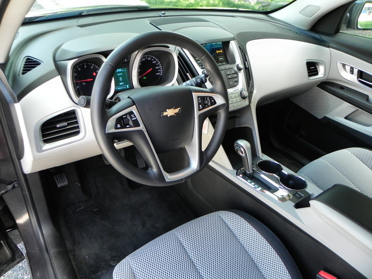 2015 chevrolet equinox holds its age well aaron on autos - 2015 chevy equinox interior photos ...