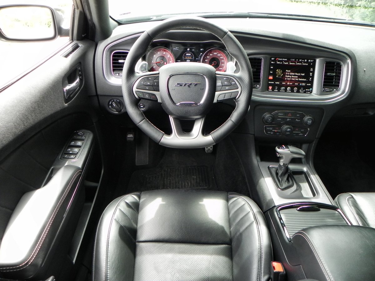 2015 dodge charger srt hellcat interior. Black Bedroom Furniture Sets. Home Design Ideas