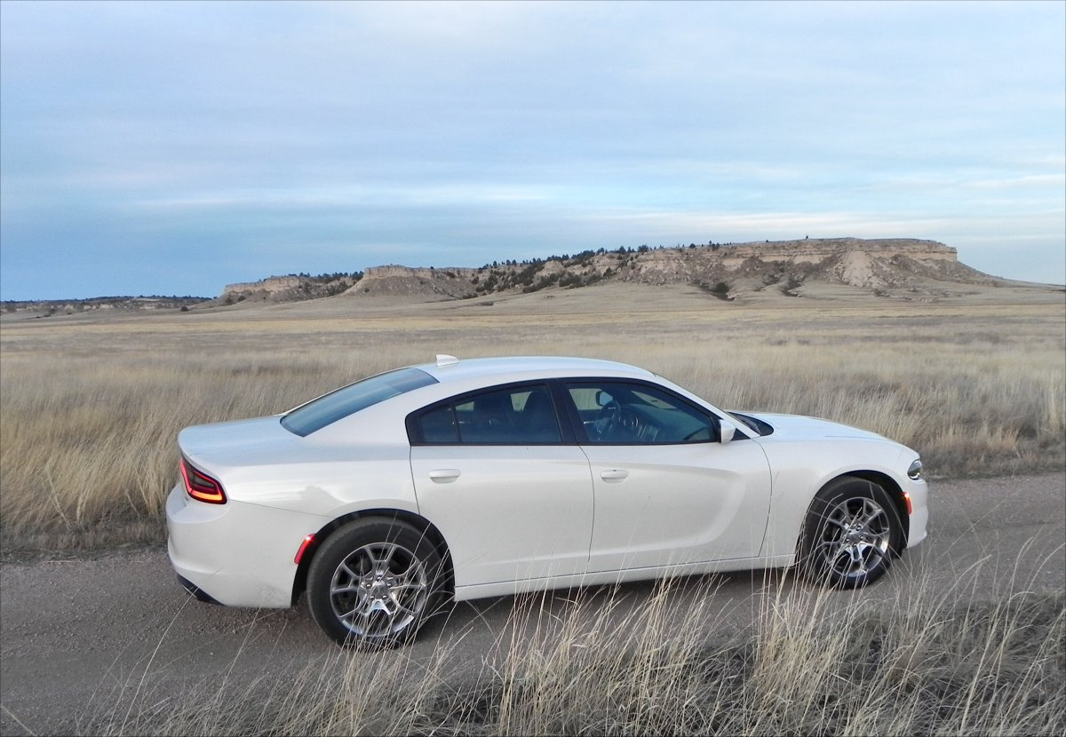 2015 dodge charger is still america s only four door muscle car aaron on autos. Black Bedroom Furniture Sets. Home Design Ideas