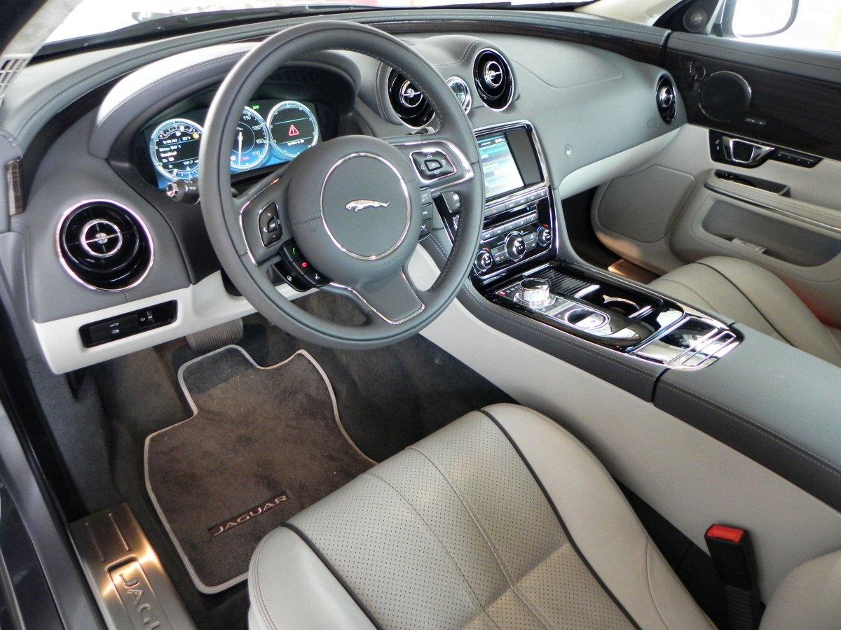 Jaguar Xj White Interior