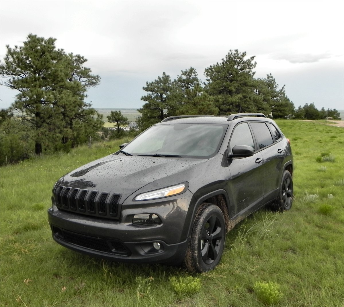 2015 jeep cherokee latitude gallery aaron on autos. Black Bedroom Furniture Sets. Home Design Ideas