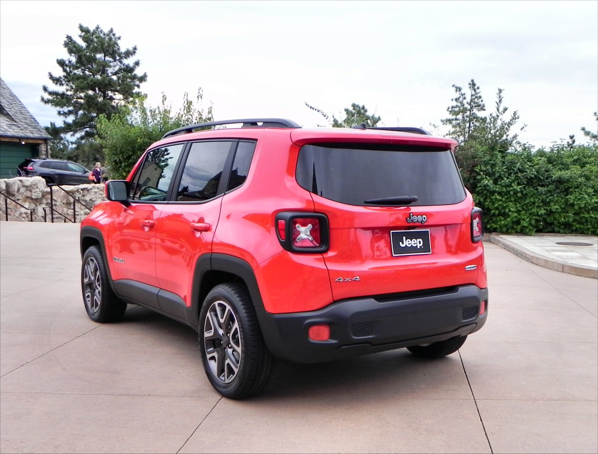 2015 jeep renegade gallery aaron on autos. Black Bedroom Furniture Sets. Home Design Ideas