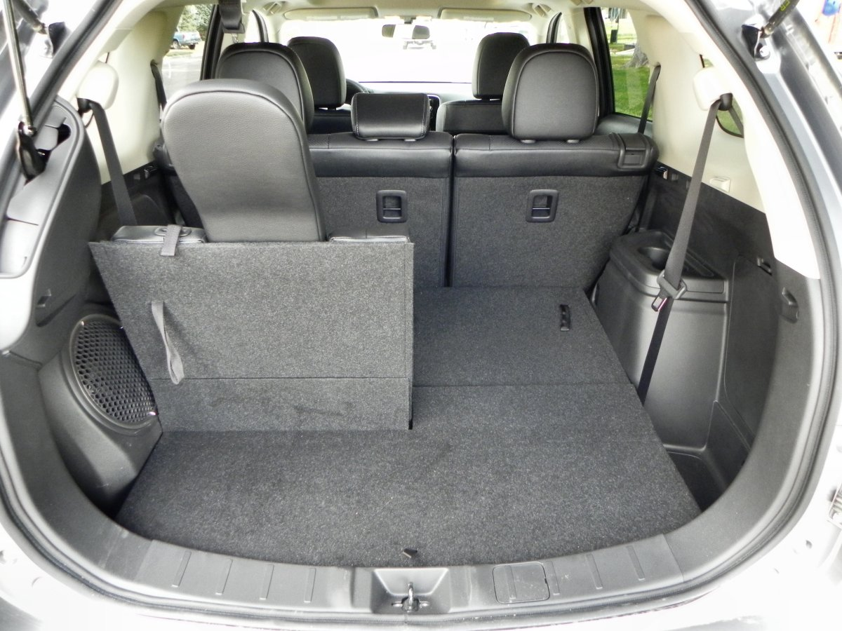 2015 mitsubishi outlander interior review aaron on autos for Images of interior