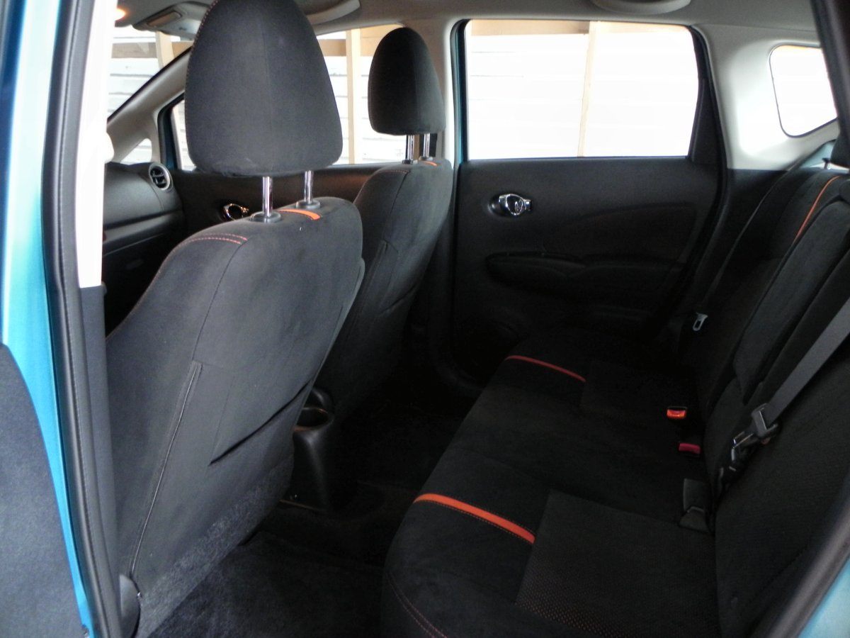 2015 Nissan Versa Note Interior Review Aaron On Autos