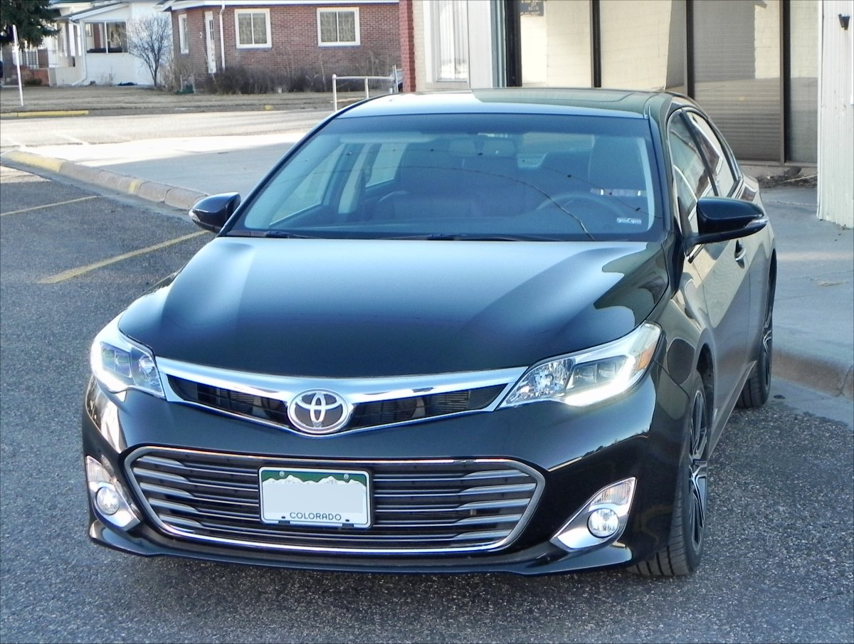 2015 toyota avalon gallery aaron on autos. Black Bedroom Furniture Sets. Home Design Ideas