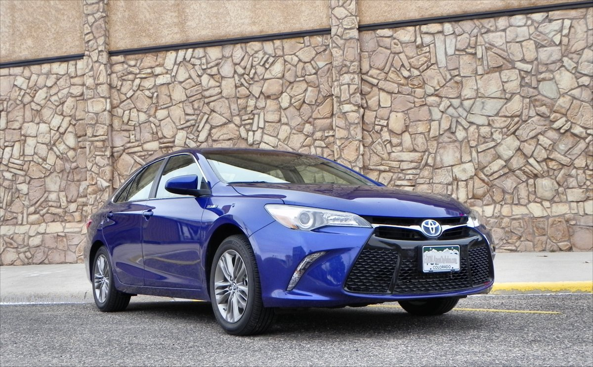 2015 toyota camry hybrid gallery aaron on autos. Black Bedroom Furniture Sets. Home Design Ideas