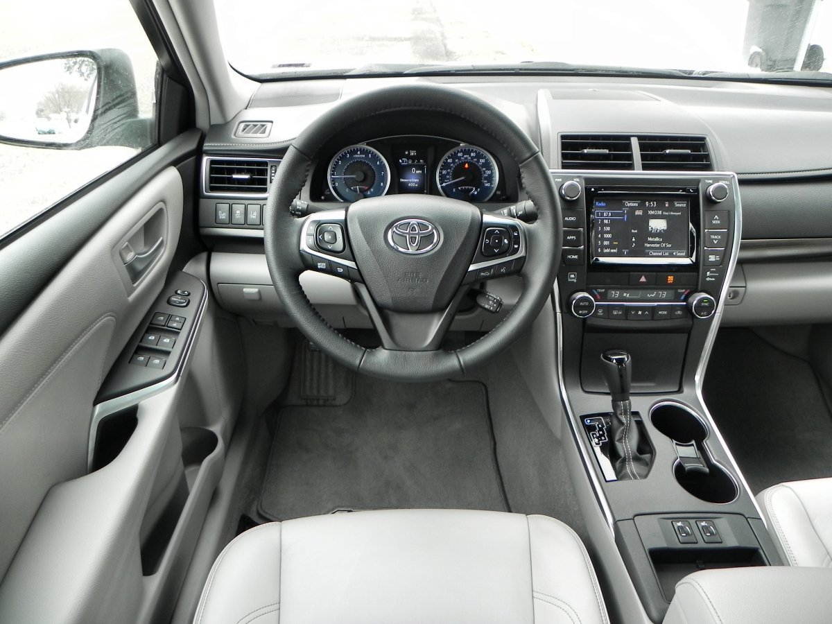 2015 toyota camry se interior images galleries with a bite. Black Bedroom Furniture Sets. Home Design Ideas