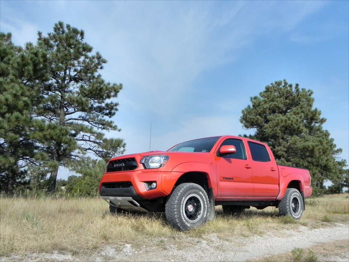 2015 toyota tacoma trd pro gallery aaron on autos. Black Bedroom Furniture Sets. Home Design Ideas