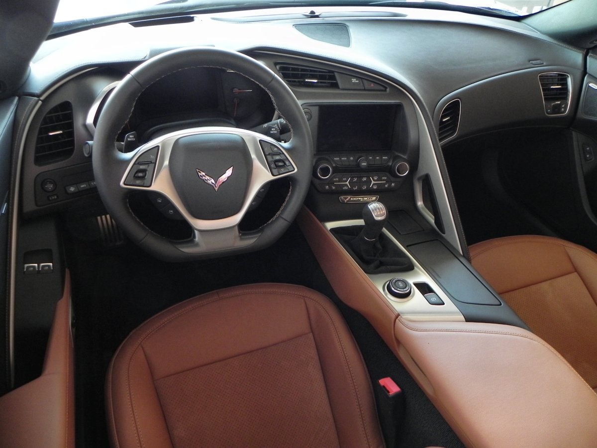 chevy corvette stingray interior excellent chevrolet corvette chevy photo with chevy corvette. Black Bedroom Furniture Sets. Home Design Ideas