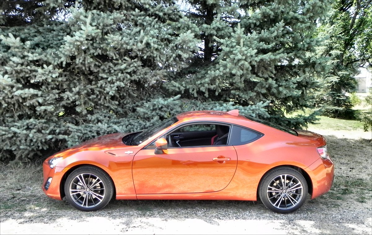2016 scion fr s interior review aaron on autos. Black Bedroom Furniture Sets. Home Design Ideas