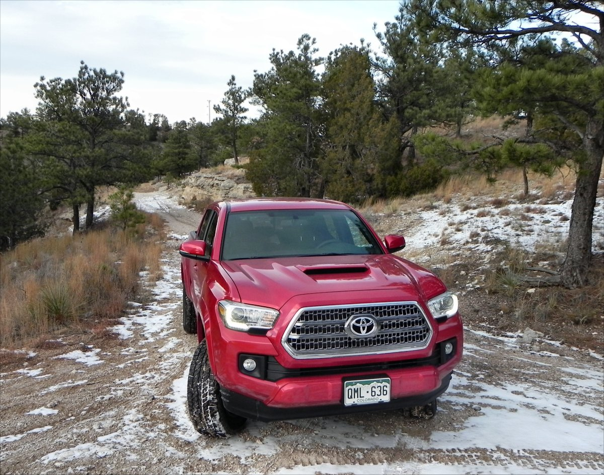 review 2016 toyota tacoma trd sport aaron on autos. Black Bedroom Furniture Sets. Home Design Ideas