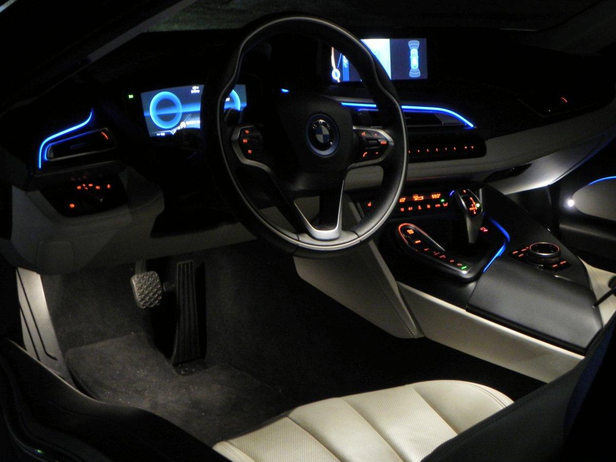 Show As Slideshow BMWi8 7