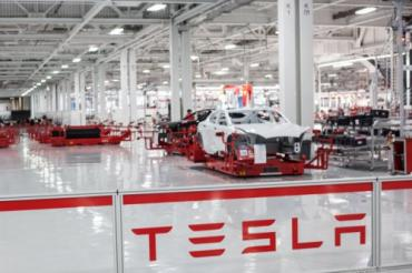 Tesla steals from Aston Martin, talks to Google about Auto Bots