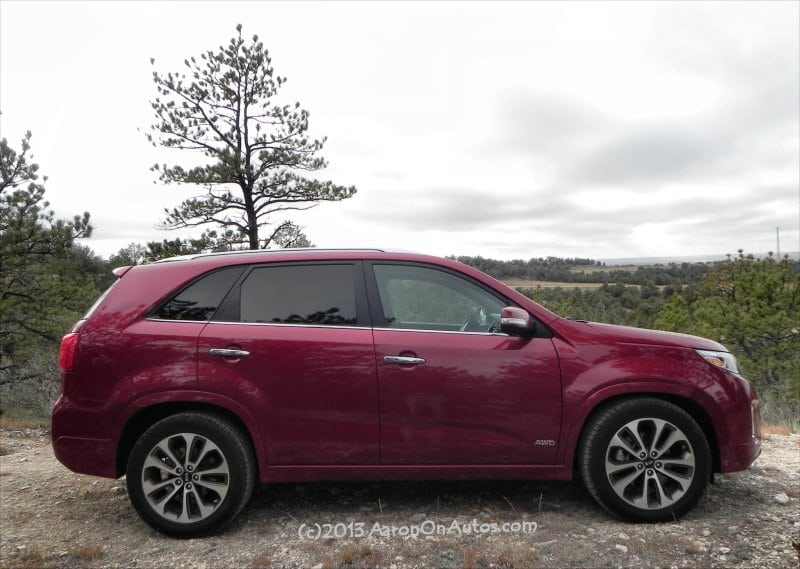 2014 Kia Sorento is a posh, capable crossover that misses economy