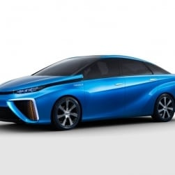2015 Toyota Fuel Cell Car – the Car of the Future debuts at CES