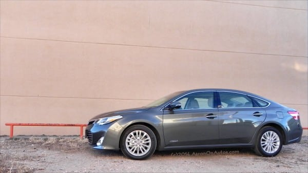 2014 Toyota Avalon Hybrid – beautiful efficiency