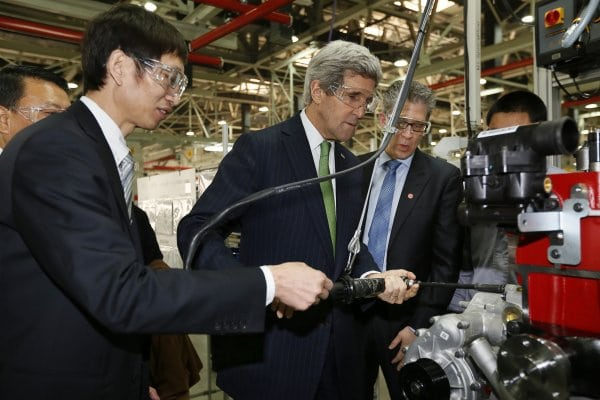 Secretary of State John Kerry scopes out Chinese engine manufacturing