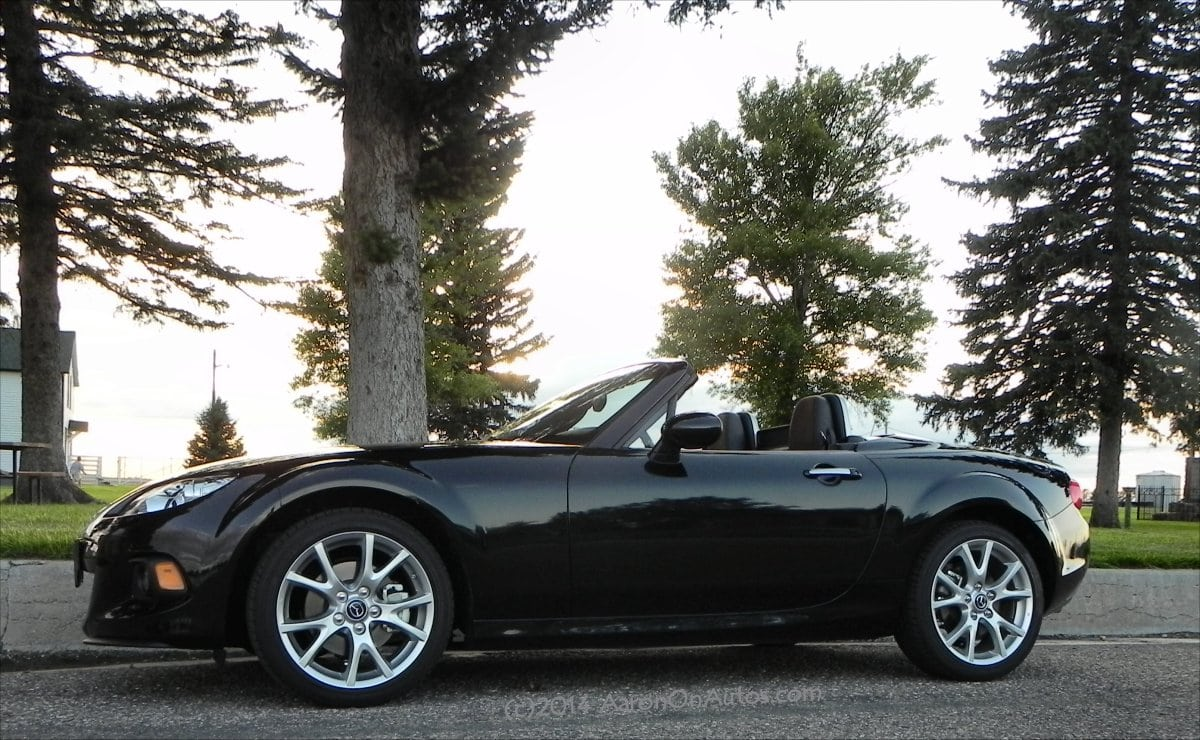 2014 Mazda MX-5 Miata is fun times packaged in four wheels