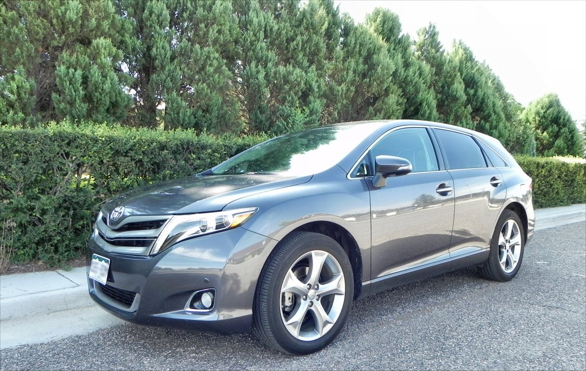 2014 Toyota Venza – happy to go places and take the whole family along