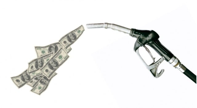 Why Are Gas Prices Up and Oil Prices Down? – Torque News