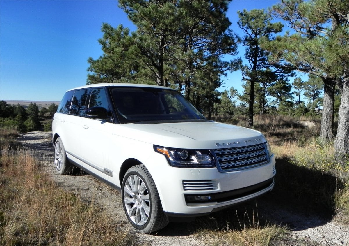 The 2015 Range Rover Is Big, Luxurious, And Ready To Get Dirty