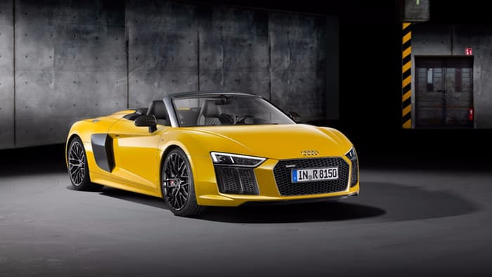 Audi R8 Spyder V10 muscles 540 hp into New York