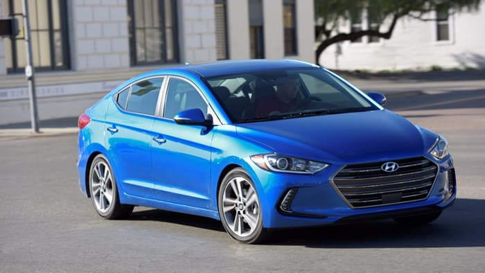 Review: 2017 Hyundai Elantra evolves in style