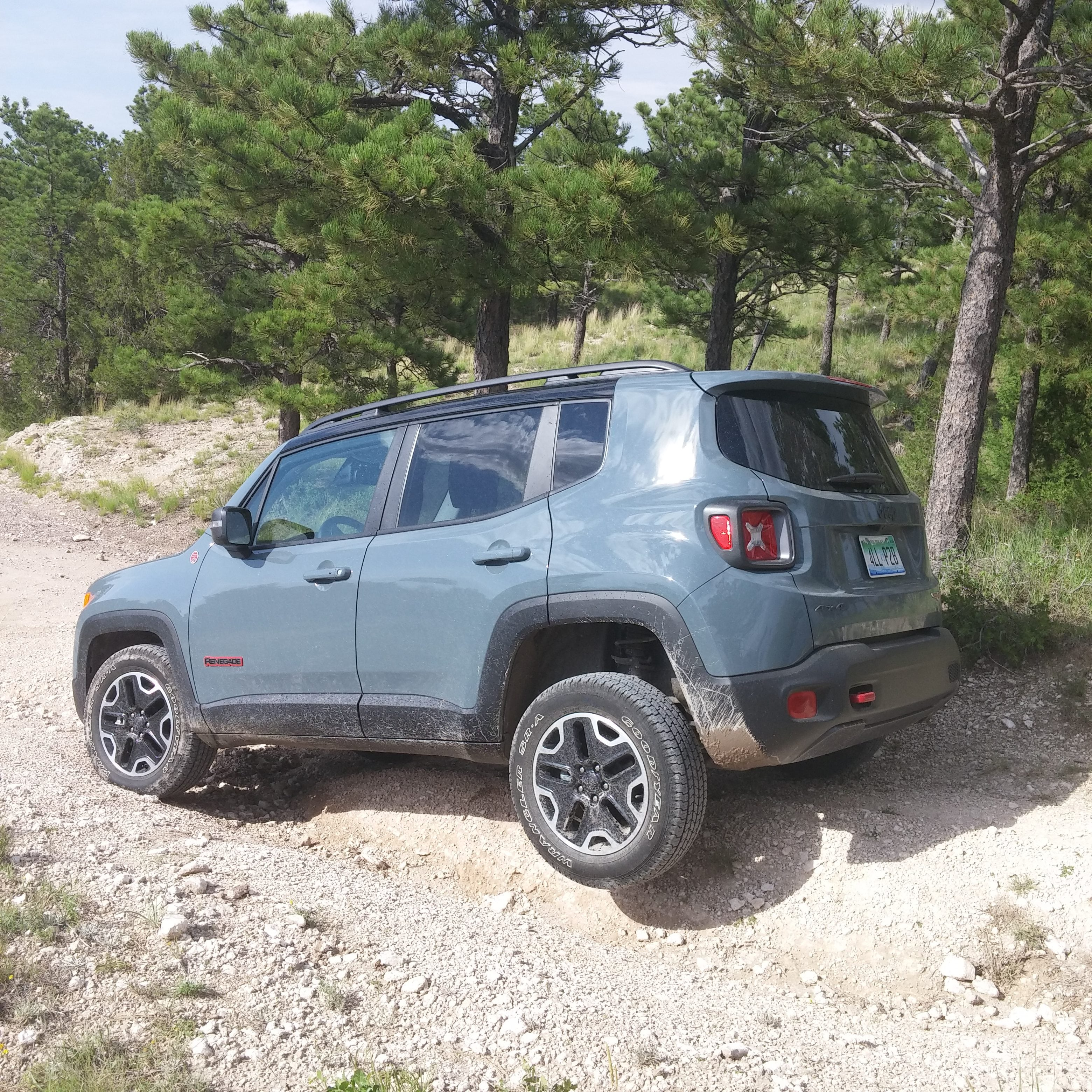 Review: 2016 Jeep Renegade Trailhawk is as trail-ready as its name implies
