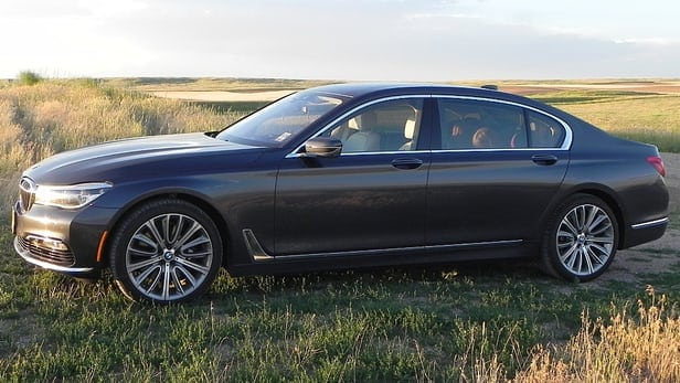 Review: 2016 BMW 750i combines power and elegance in a plush package