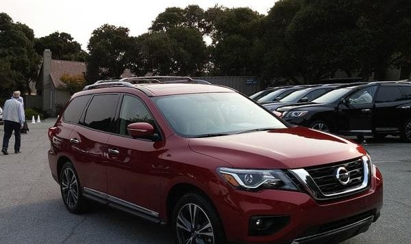Review: 2017 Nissan Pathfinder Looks Good, With Improved Fuel Economy