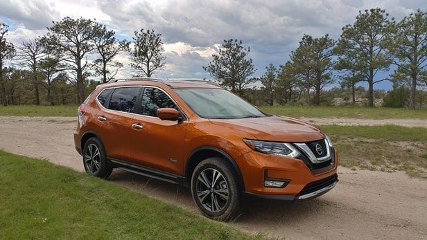Rogue Hybrid review: Efficiency takes front seat in Nissan's new compact crossover