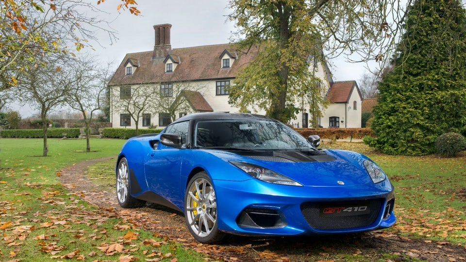 Lotus Evora GT410 Sport bursts forth