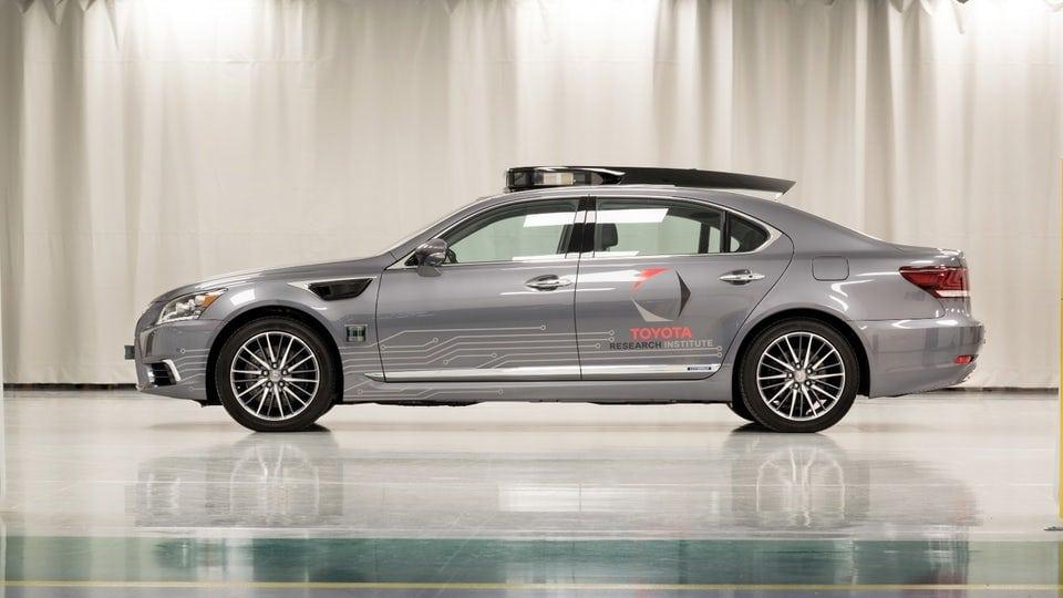 Toyota drives next-gen autonomous vehicle platform to CES