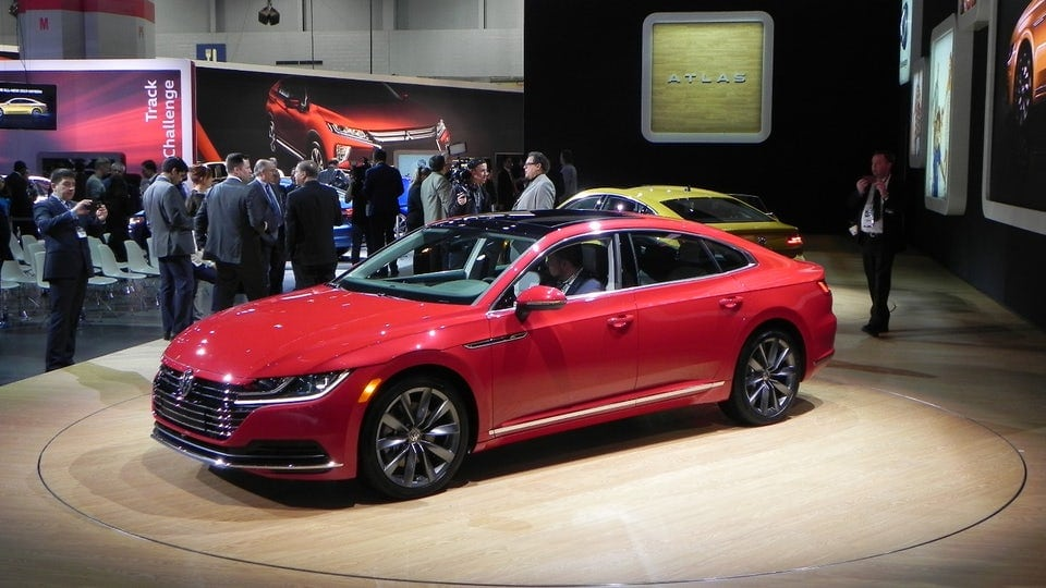 Volkswagen unveils 2019 Arteon flagship sedan in Chicago