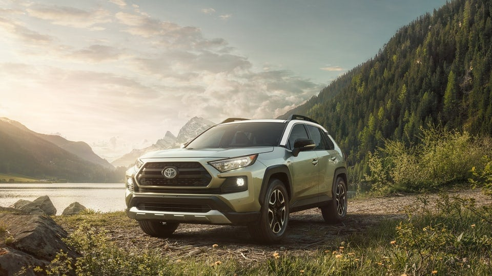 Toyota unveils a new, more capable 2019 RAV4 at New York show