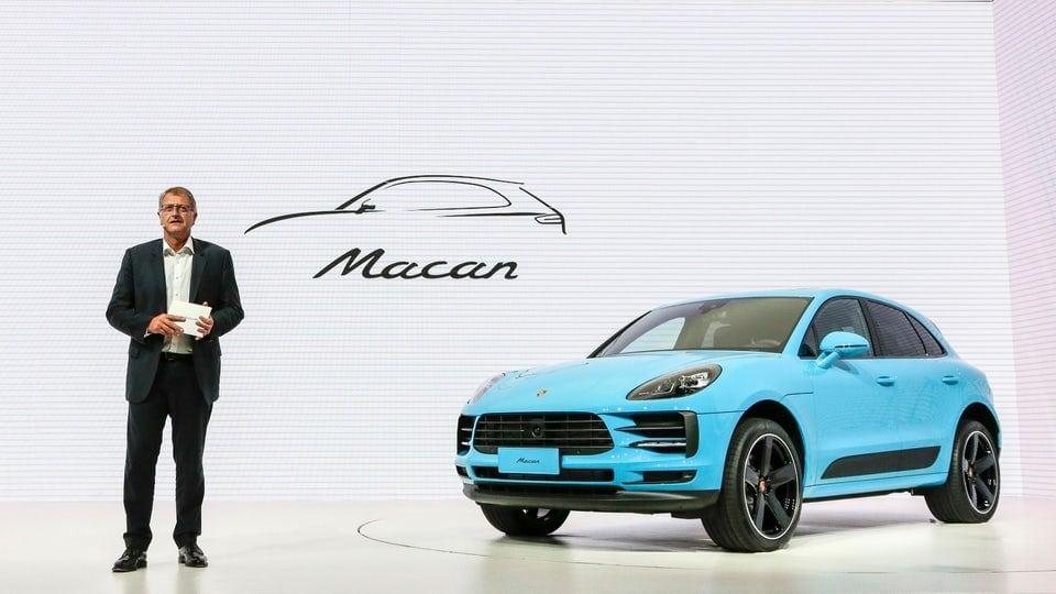 Porsche shines light on the updated 2019 Macan
