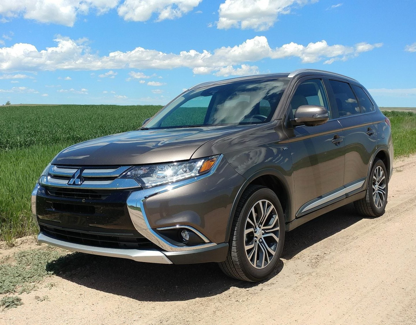 2018 Mitsubishi Outlander GT Is Budget For a V6