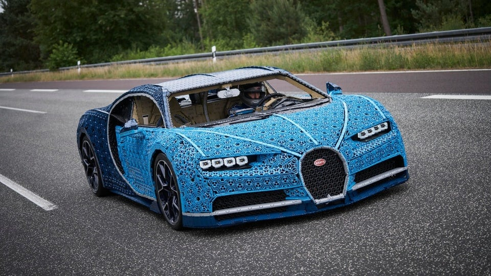 Life-size Bugatti Chiron made from a million Legos … and it actually drives