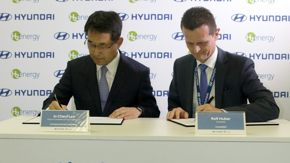 Fleet of Hyundai hydrogen fuel cell electric trucks to roll out from 2019