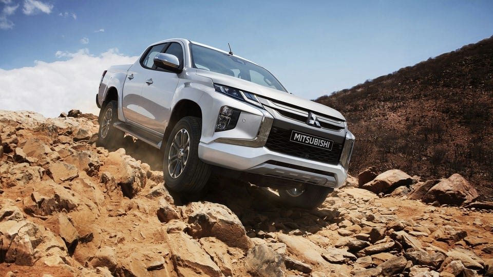 New Mitsubishi Triton/L200 one-ton pickup truck unveiled