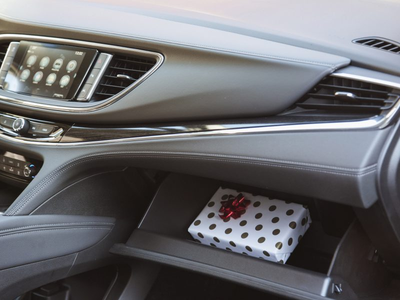 More and More People Hide Holiday Gifts In Their Cars