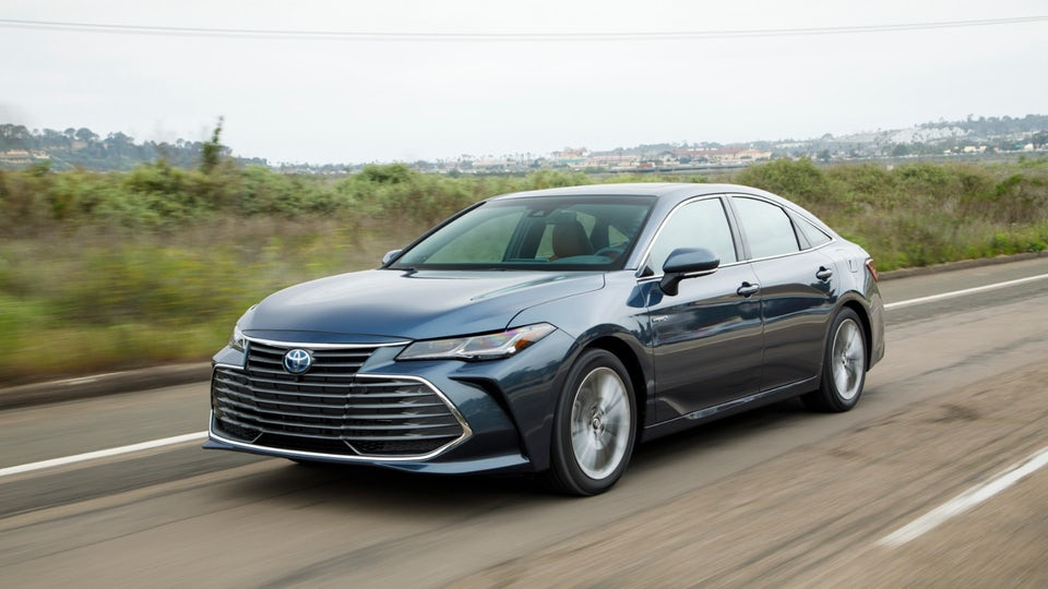 Review: 2019 Toyota Avalon Hybrid is worth the hybrid premium