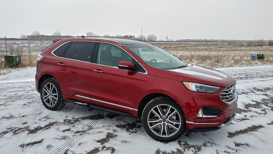 Review: 2019 Ford Edge has a new look that you can't see past