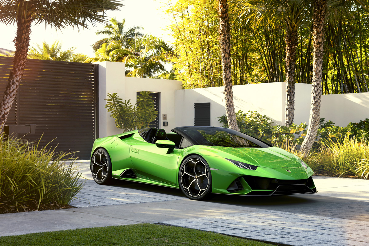Lamborghini Huracan Evo Sypder Offers Open-Air Fun At 202 MPH