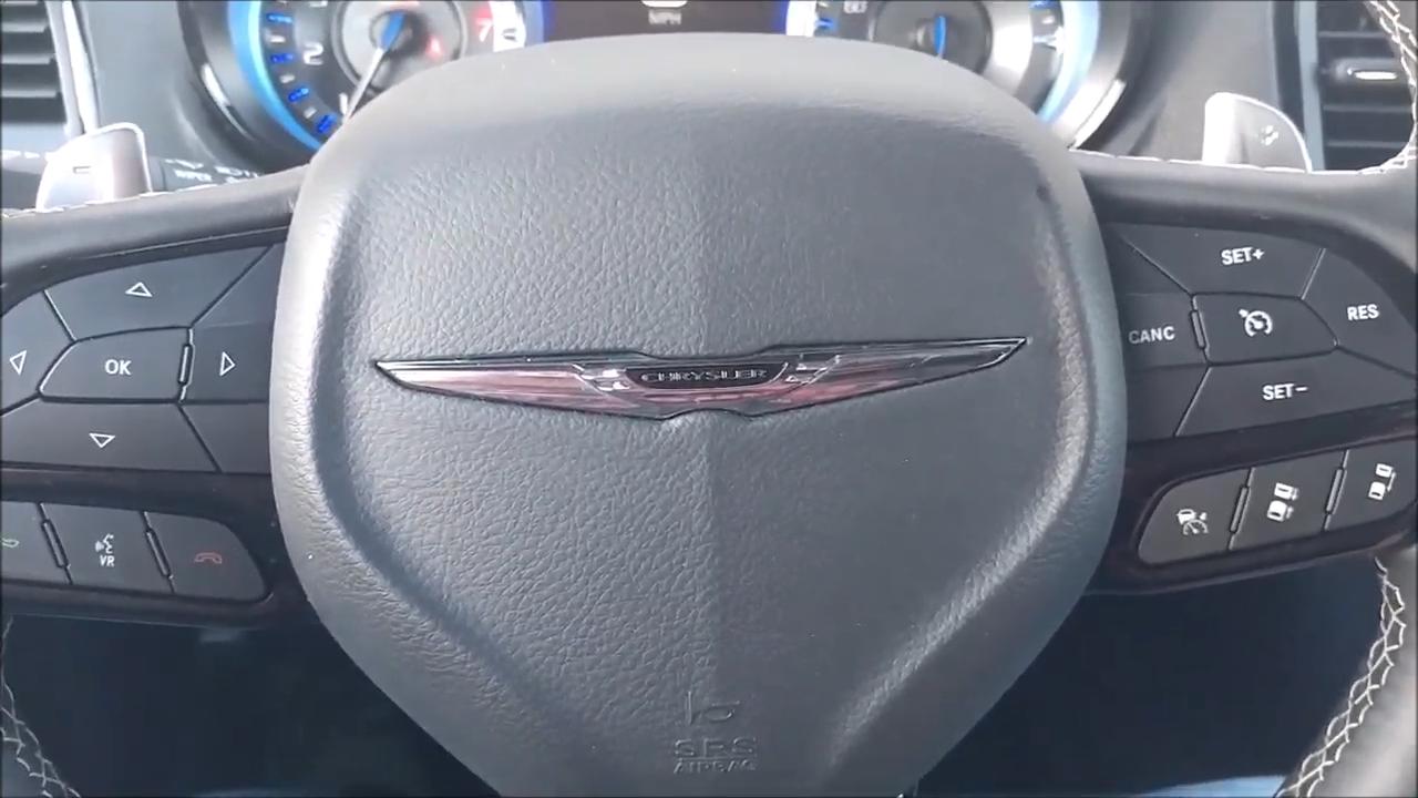 2019 Chrysler 300S interior review