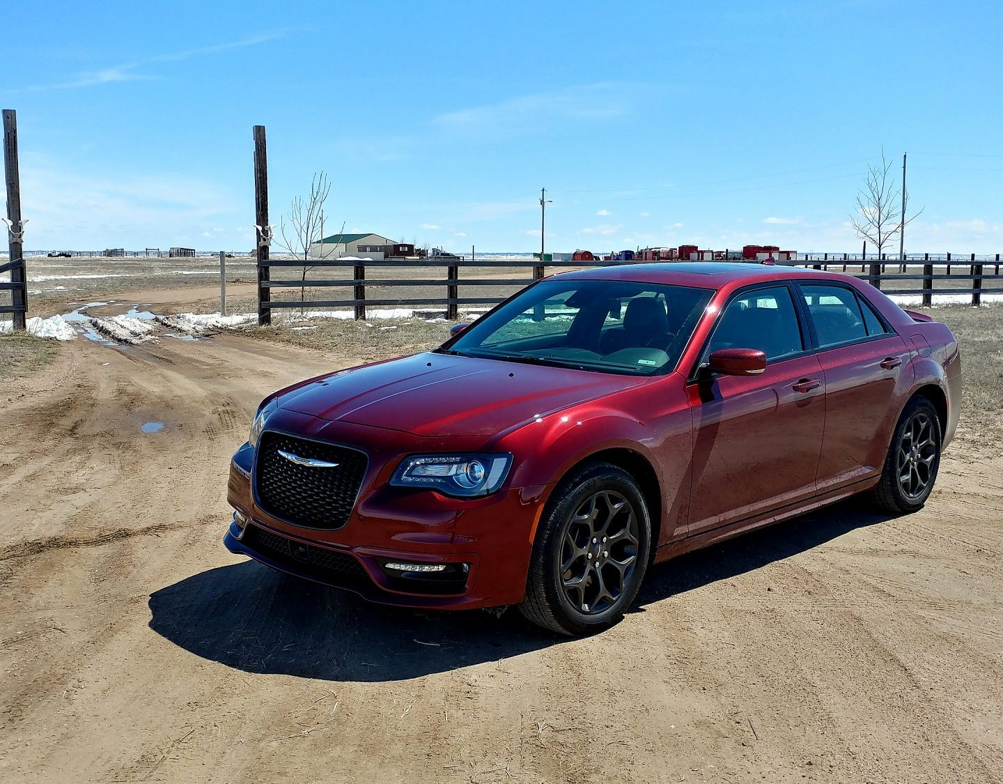 Video Review: 2019 Chrysler 300 Continues the Big American Sedan Goodness